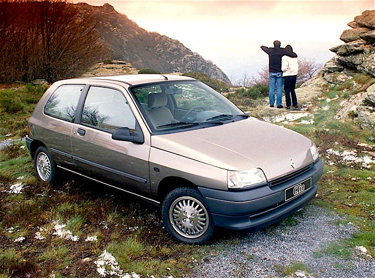 renault_clio_1991_auto_anno