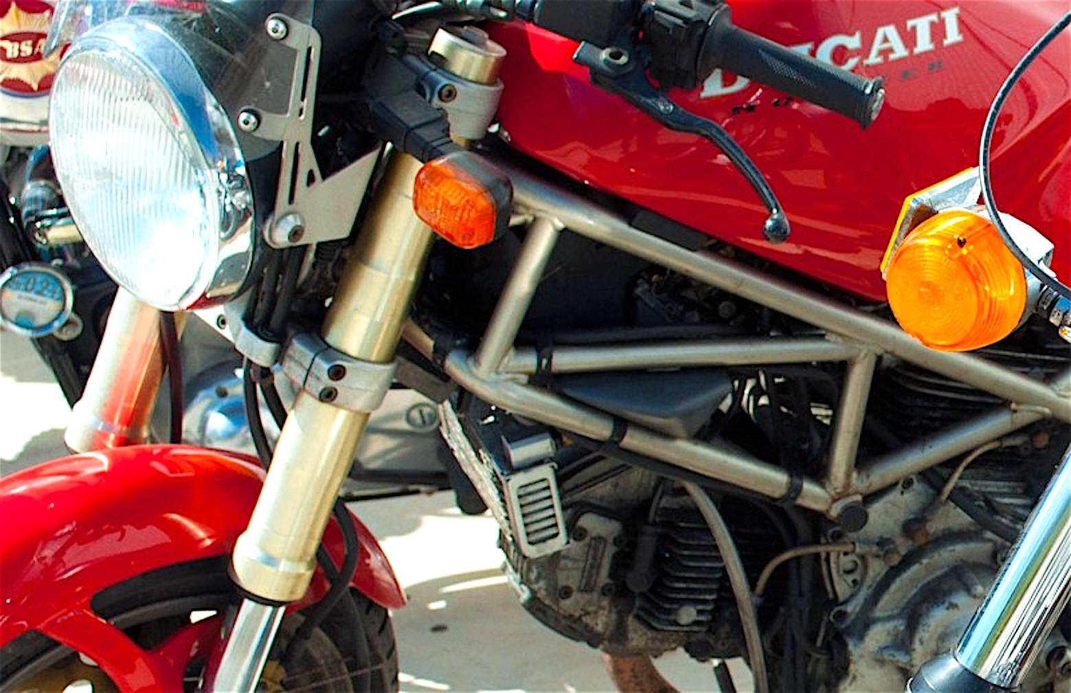 Ducati-M900-Monster_1994jpg