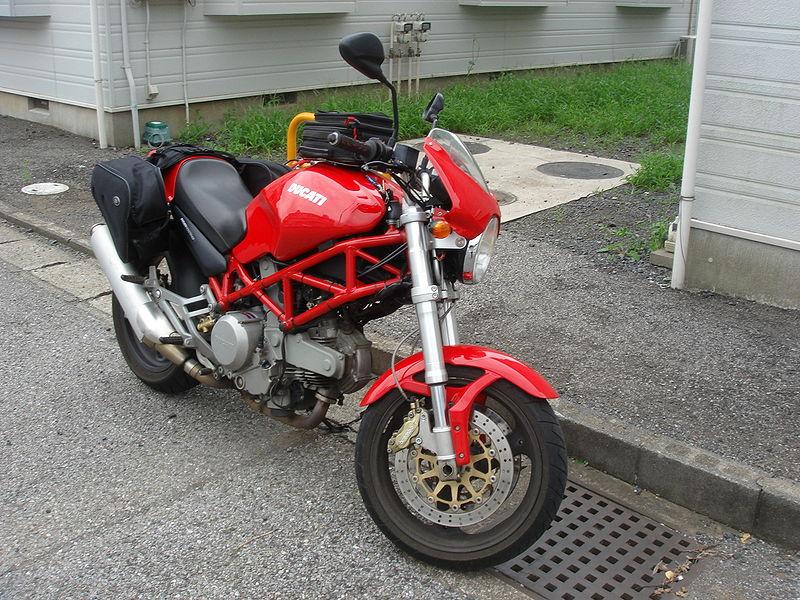 Ducati_400_Monster