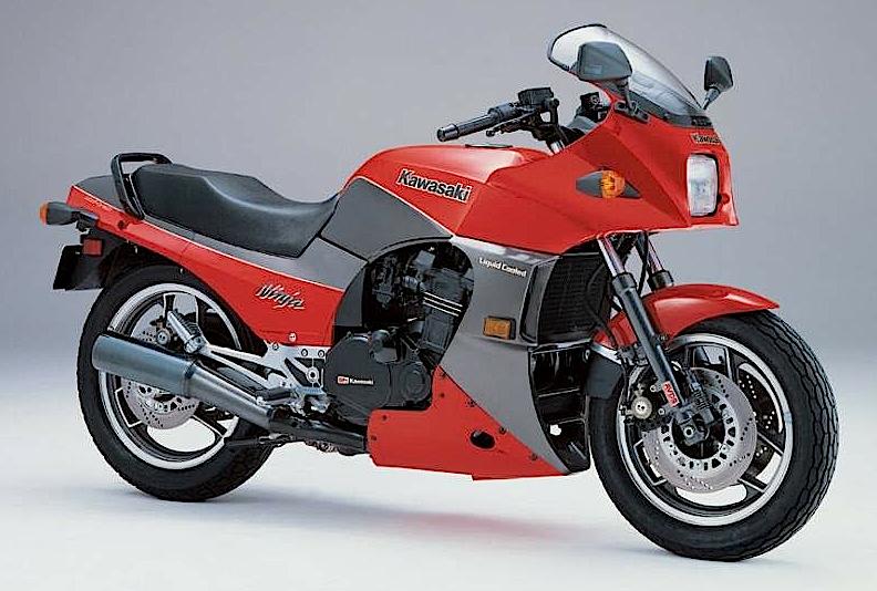 Kawasaki_gpz_900
