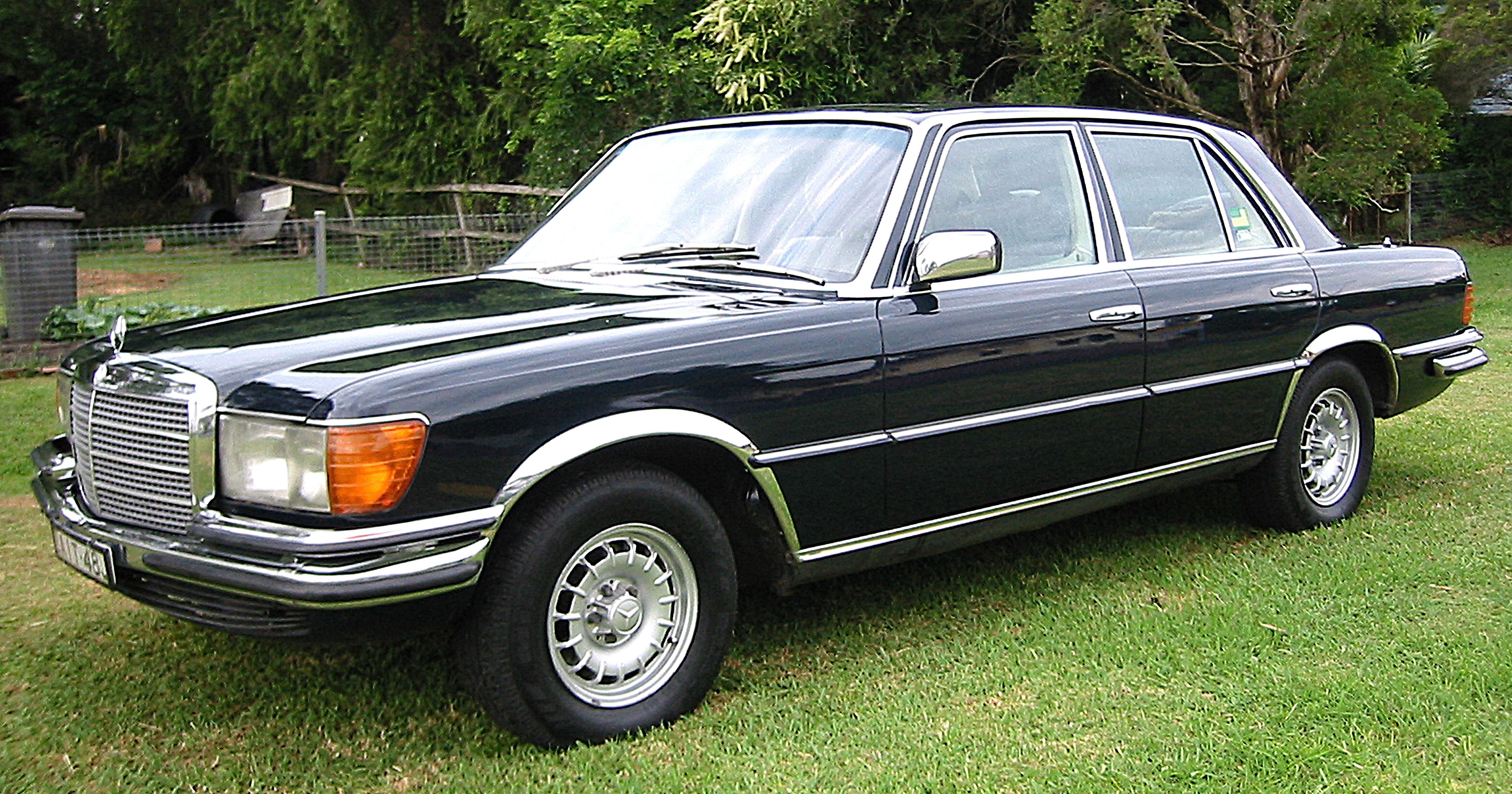 Mercedes_Benz_W116_450