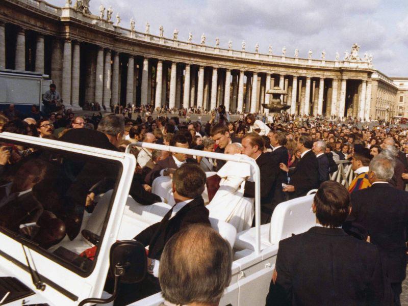 papa giovanni II ferito