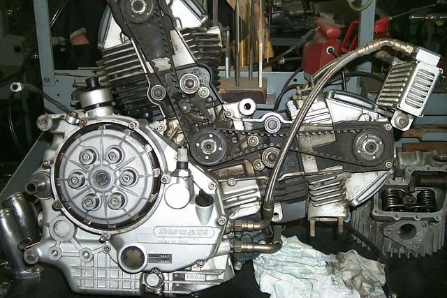 ducati monster motore