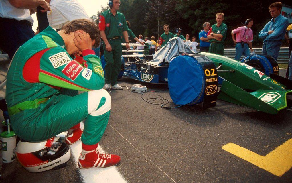 Un giovanissimo Schumacher al debutto con la Jordan