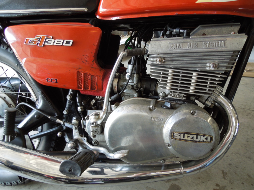 suzuki_380_gt_motore_engine