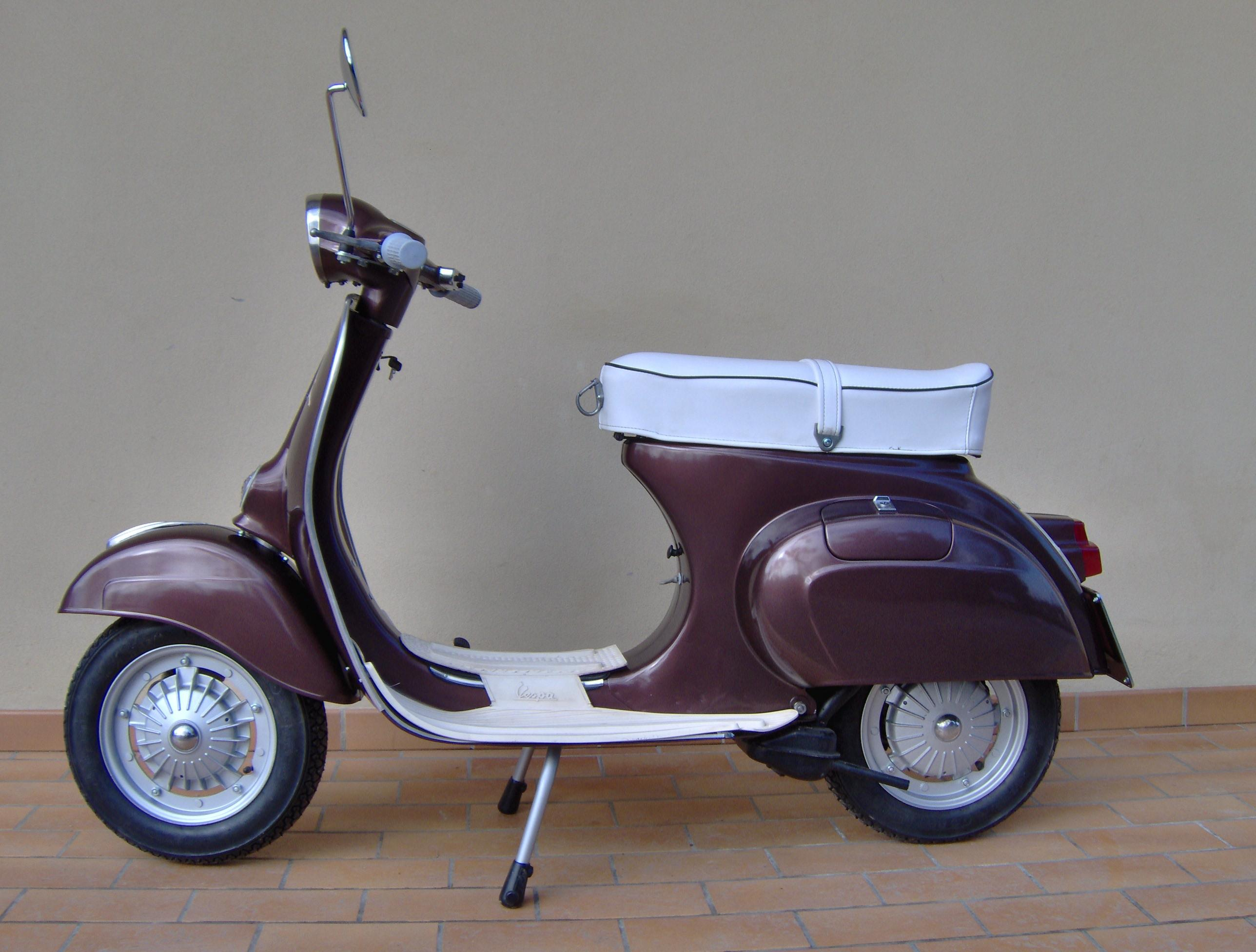 vespa 125 primavera et3 qui con curiosit video e foto. Black Bedroom Furniture Sets. Home Design Ideas