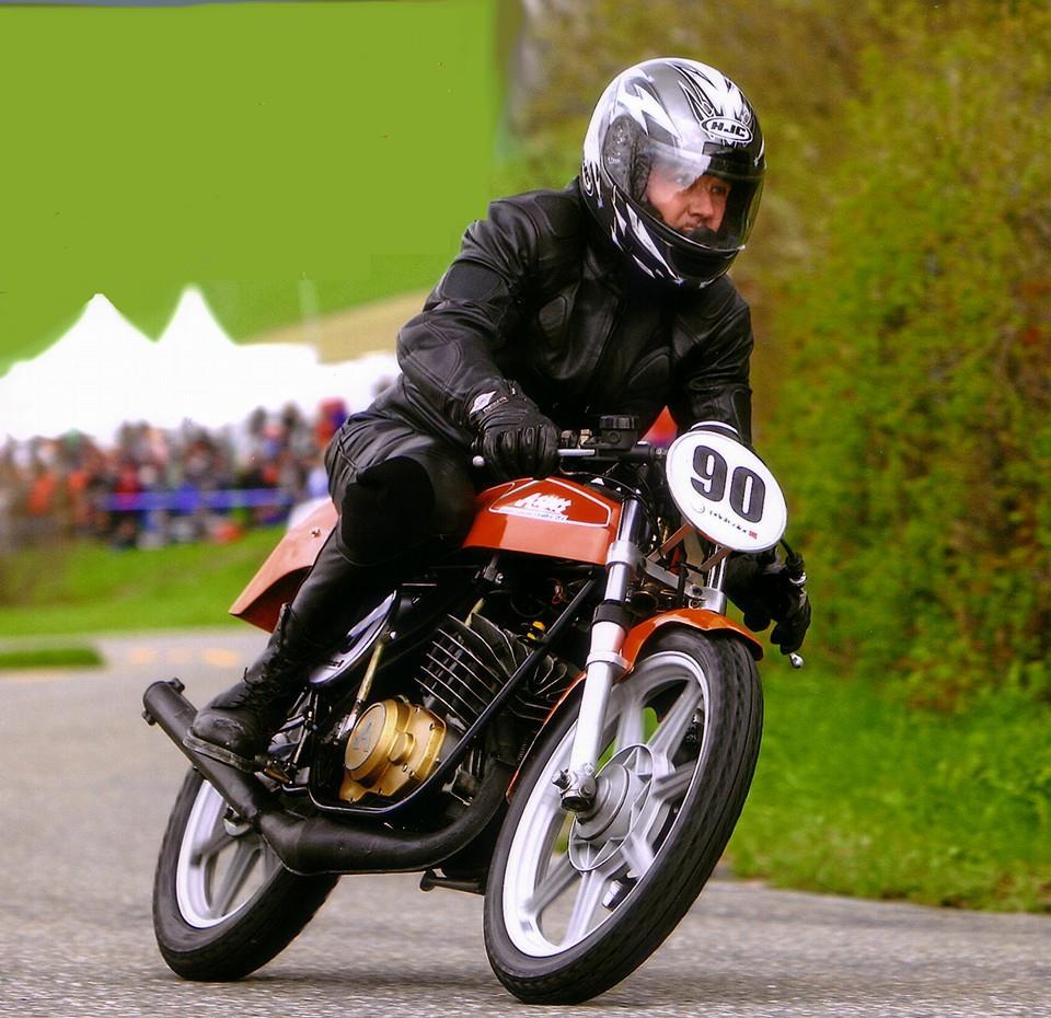 z Hans con sua preferita 2-tempi Aspes Juma 125 del1976, veloce e ben rumorosa! GP Mutschellen 2008