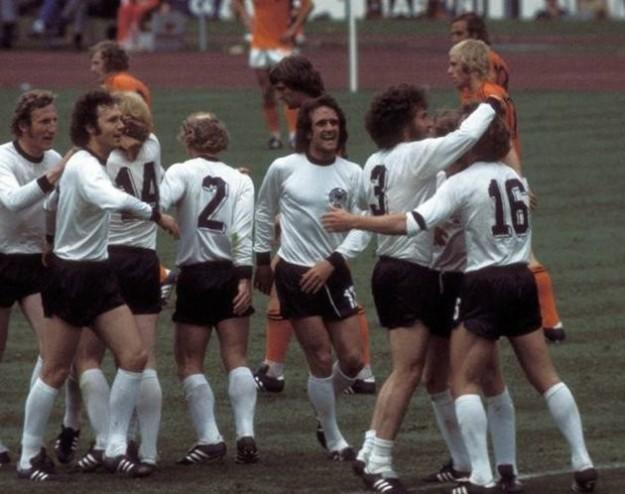 le-dieci-nazionali-piu-forti-nella-storia-del-calcio-germania-ovest-1974