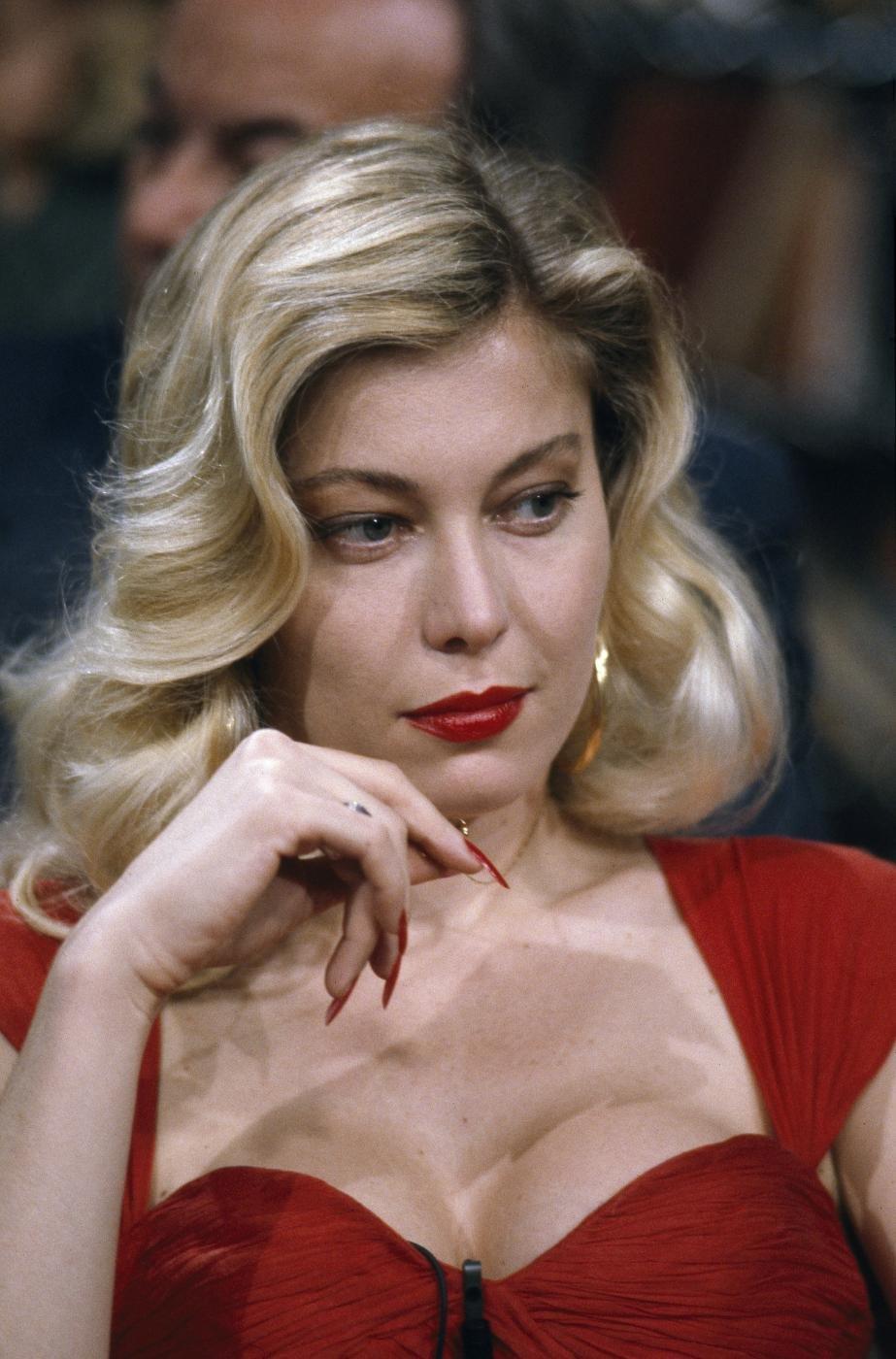 Moana pozzi muore 15 09 1994 sexi attrice curiosando 80 - Diva future porno ...