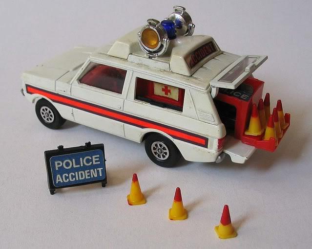 range_rover_police_corgi_toys
