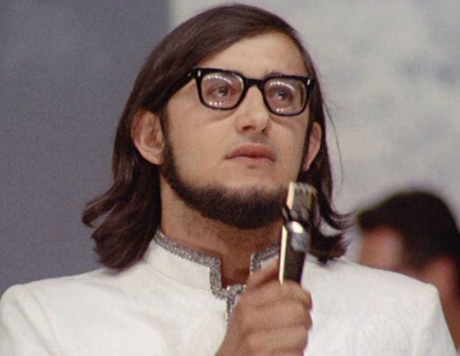 cntagiro nomadi Augusto_al_Cantagiro_del_1967