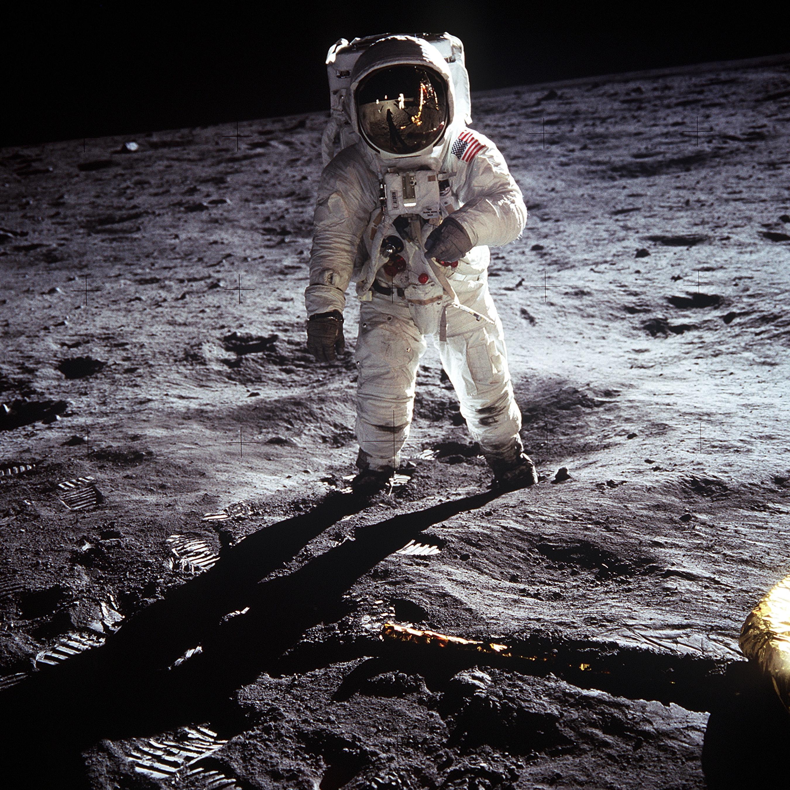 apollo 11 passeggiata lunare aldrin