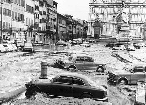 ALLUVIONE DI FIRENZE – (04/11/1966)