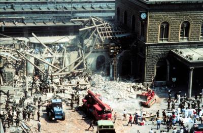 strage di bologna effetti bomba piazza stazione