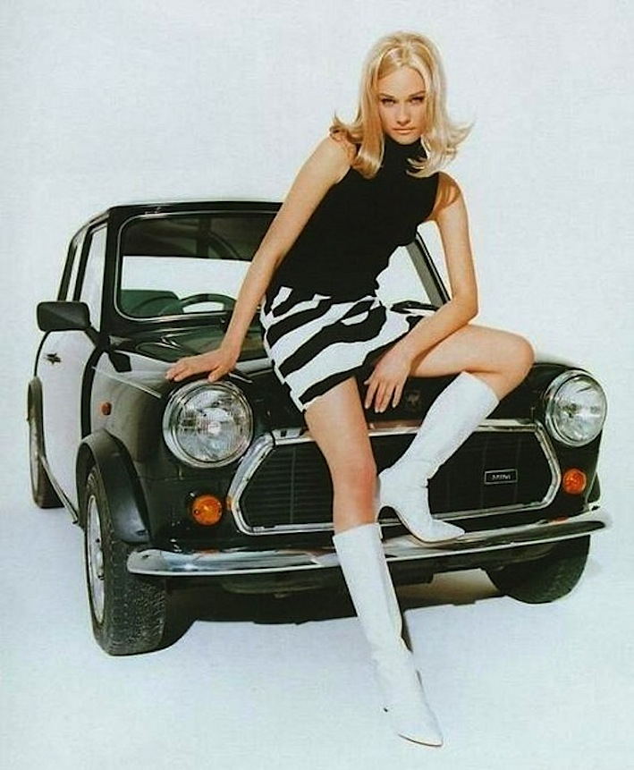 afb39ebf17 MINIGONNA moda anni 60 qui con storia curiosità e tante belle FOTO