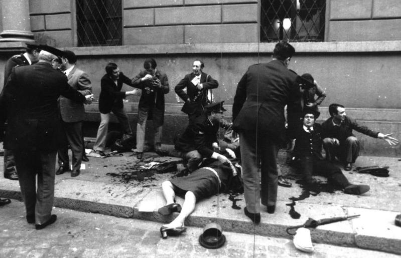 strage di milano feriti in strada