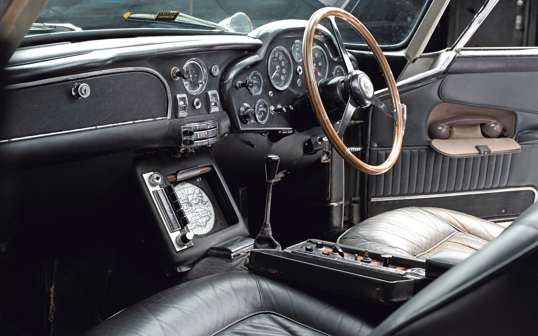 1965-aston-martin-db5-interior