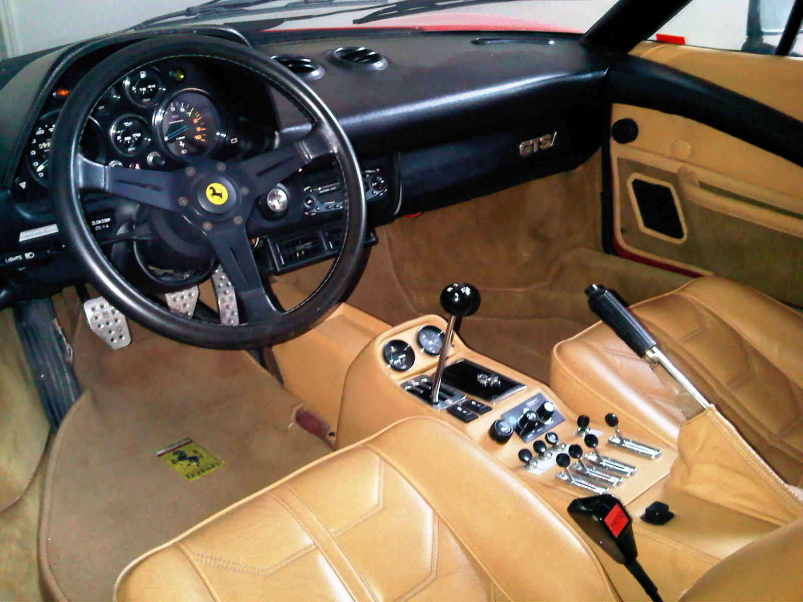 Interior-Of-Ferrari-308