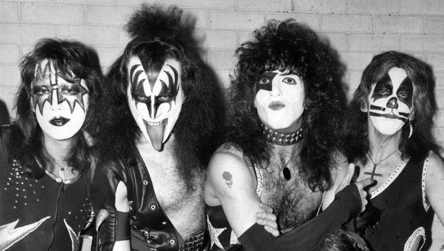 kiss_1976