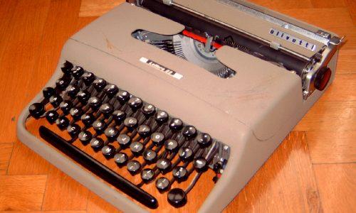 Macchina da Scrivere OLIVETTI LETTERA 22 – (Anni '50)