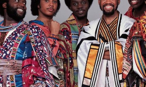 AFTER THE LOVE HAS GONE – Earth Wind & Fire – (1979)