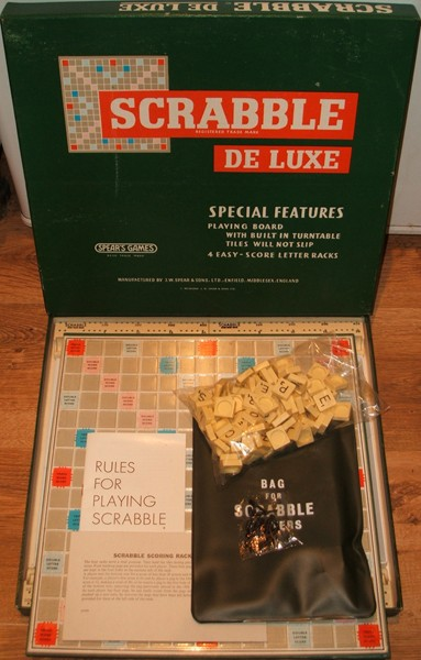 Scrabble-Deluxe-1970-s