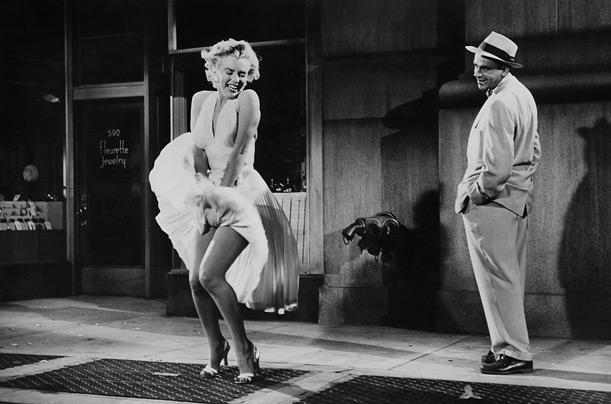 Marilyn Monroe nella famosa scena della gonna
