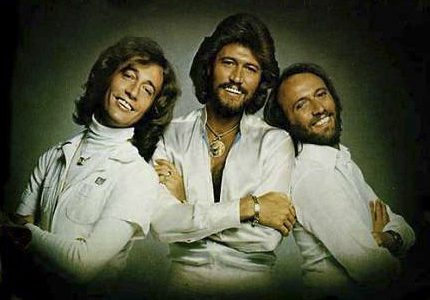 STAYIN' ALIVE / NIGHT FEVER – Bee Gees – (1978)