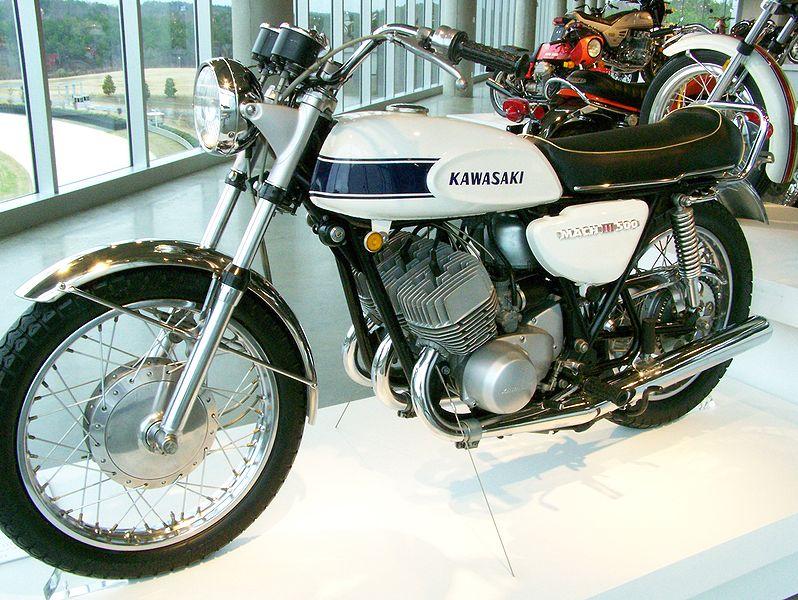 Kawasaki_500_H1_White_MACH