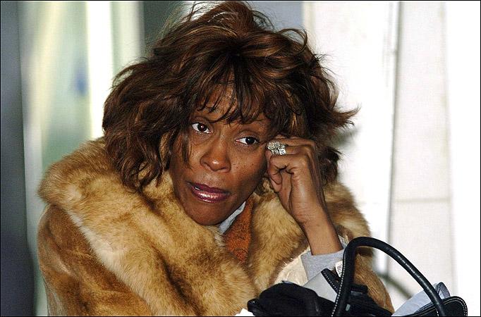 Whitney Houston morta droga