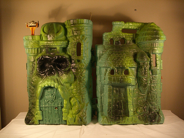 MASTERS OF THE UNIVERSE CASTLE GRAYSKULL