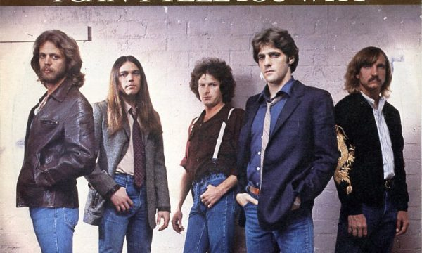 HOTEL CALIFORNIA / I CAN'T TELL YOU WHY – Eagles – (1976/1979)