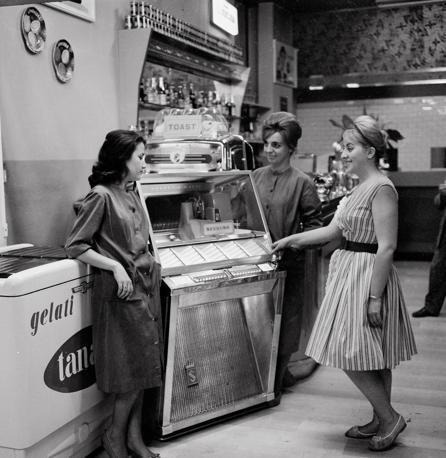 jukebox anni 60 bar