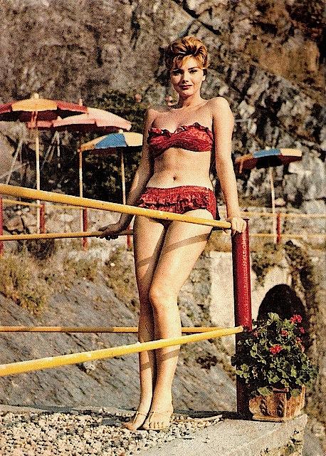 syla_koscina_bikini