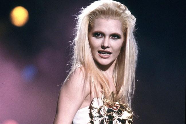 Anna Oxa nel 1992