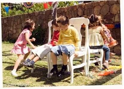 sedie musicali gioco festa casa musica bambini compleanno