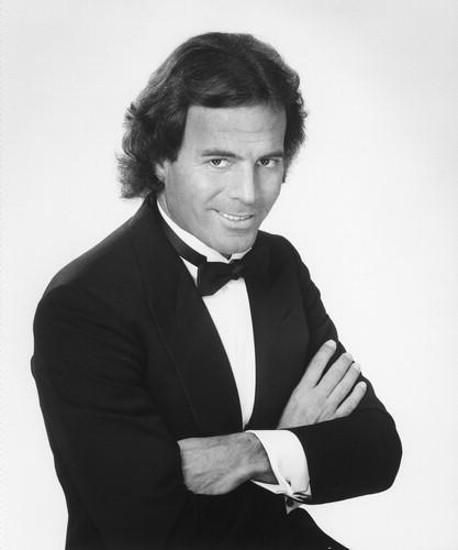 Julio Iglesias - 1976