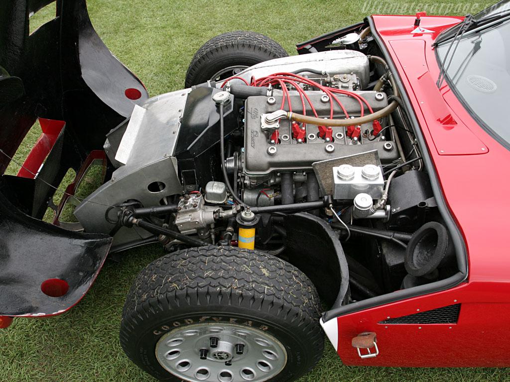Alfa Romeo TZ2 - Particolare del Motore -