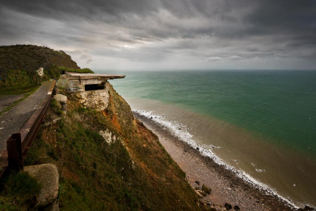Etetrat - Uno dei tantissimi Bunker disseminati sulla scogliera