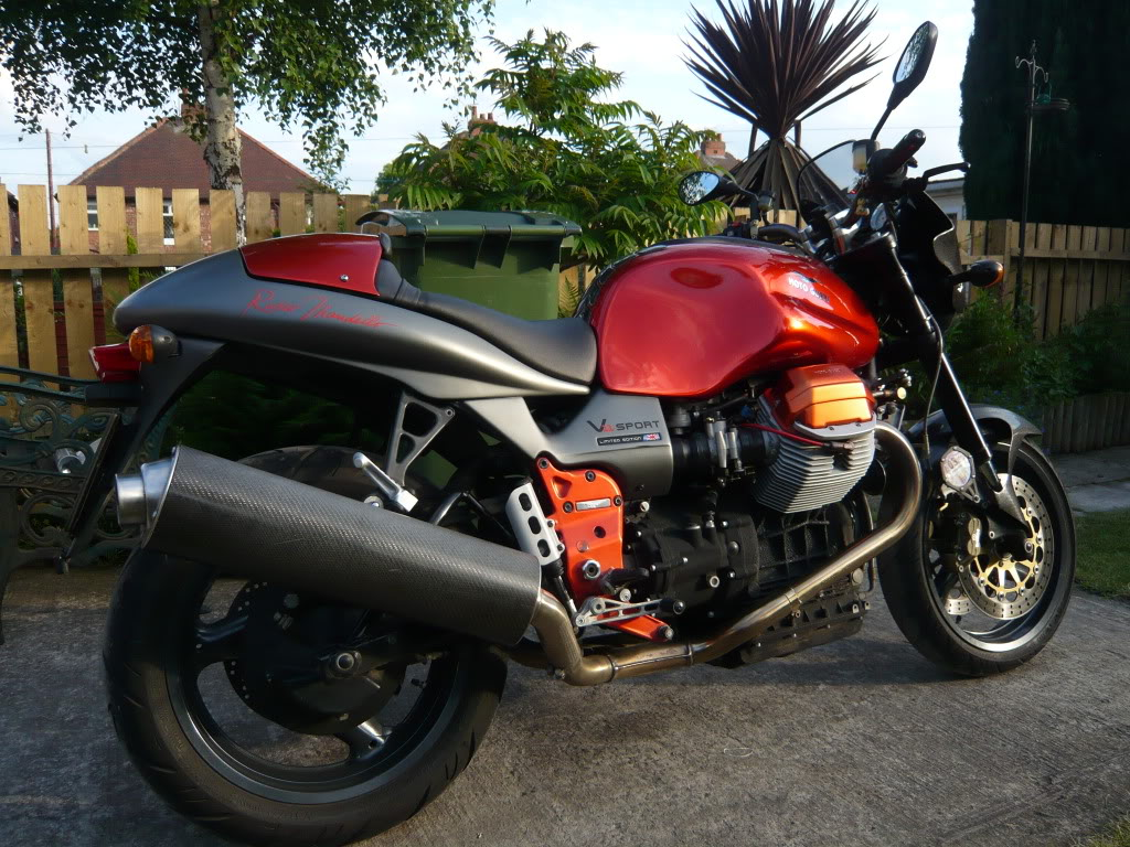 Qui un'altra V11 Rosso Mandello