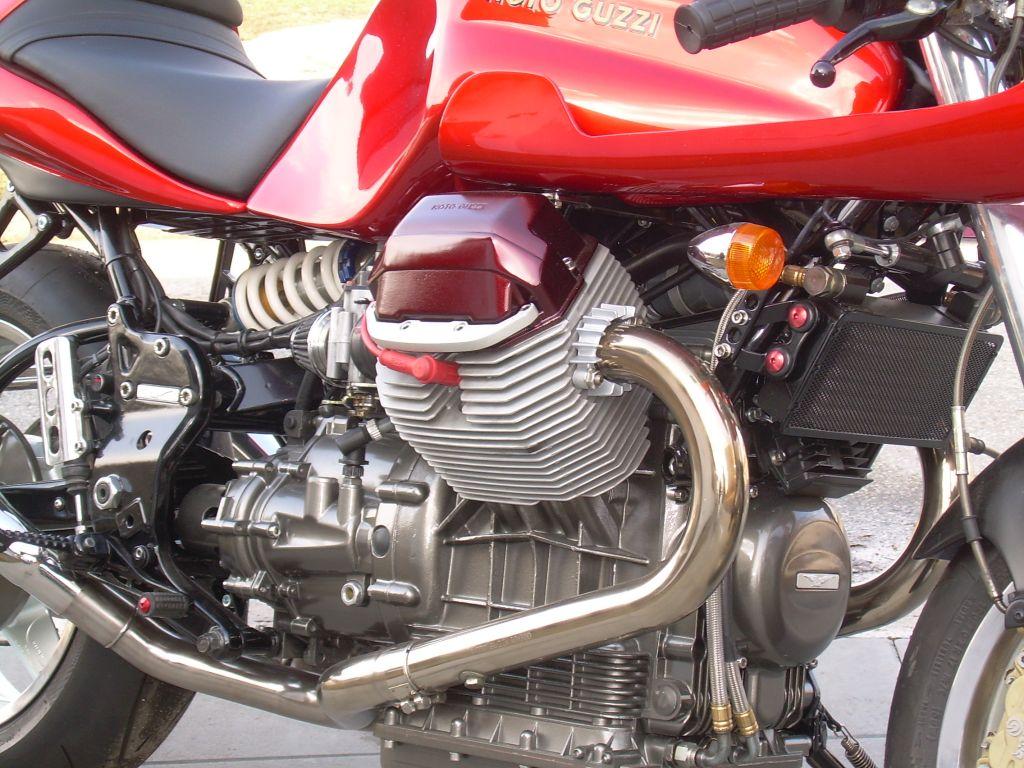 Particolare motore di una V11 Rosso Mandello