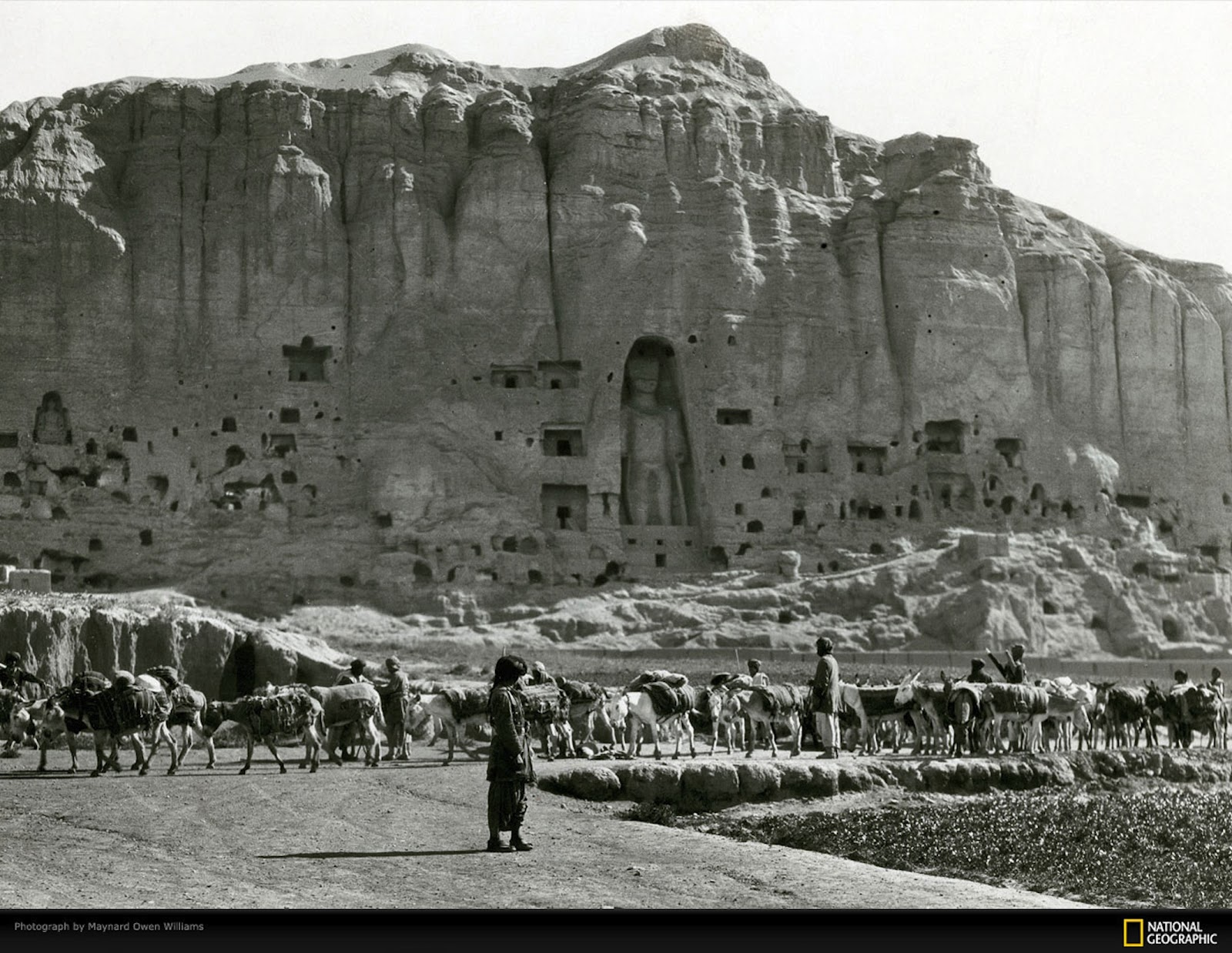 Bamiyan-Valley-Buddha-Statues