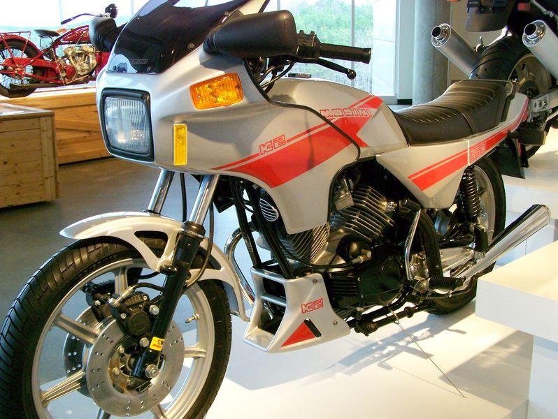 Moto Morini 350 K2 del 1986 livrea Argento/Rossa