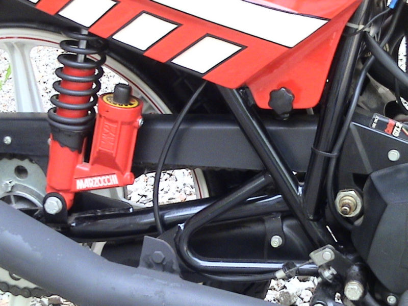 Moto Morini 350 K2 particolare ammortizzatore Marzocchi