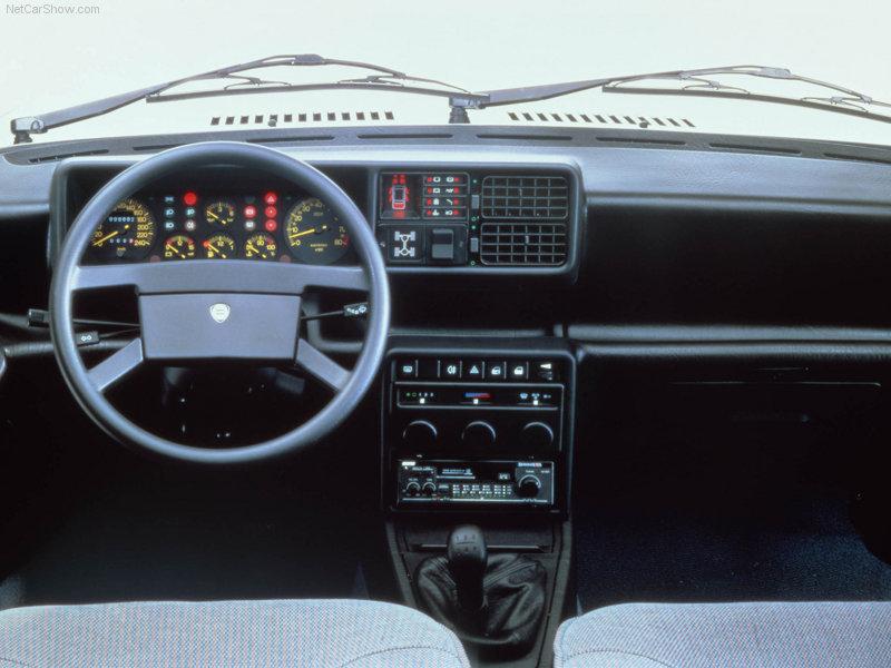 Lancia-Prisma_1986_strumentazione