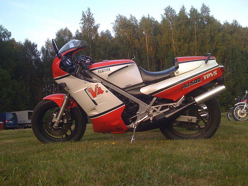 Yamaha_500_RD_LC_raduno