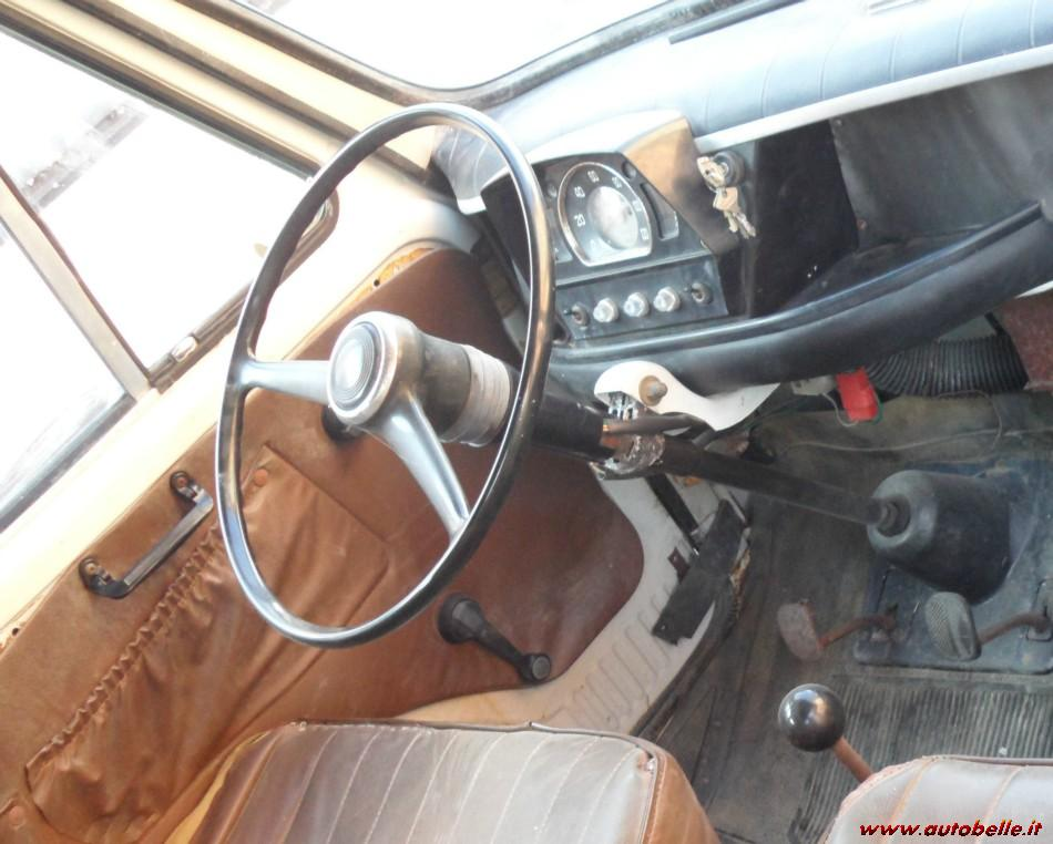 Fiat 850T Familiare - Interni cabina di guida