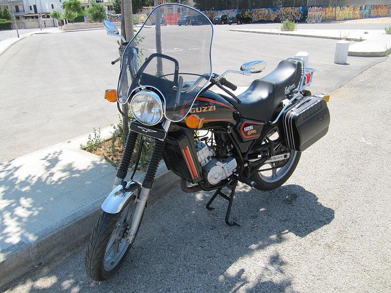 Moto Guzzi 125 Custom