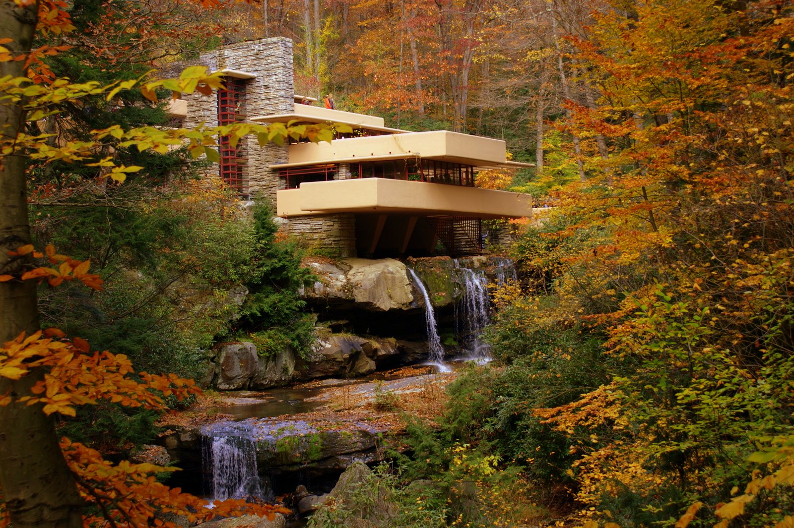 fallingwater autunno casa cascata