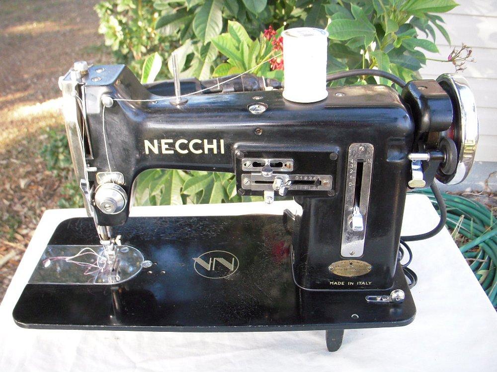 Necchi macchina per cucire oggetti passato anni 50 e anni 60 for Macchina cucire necchi